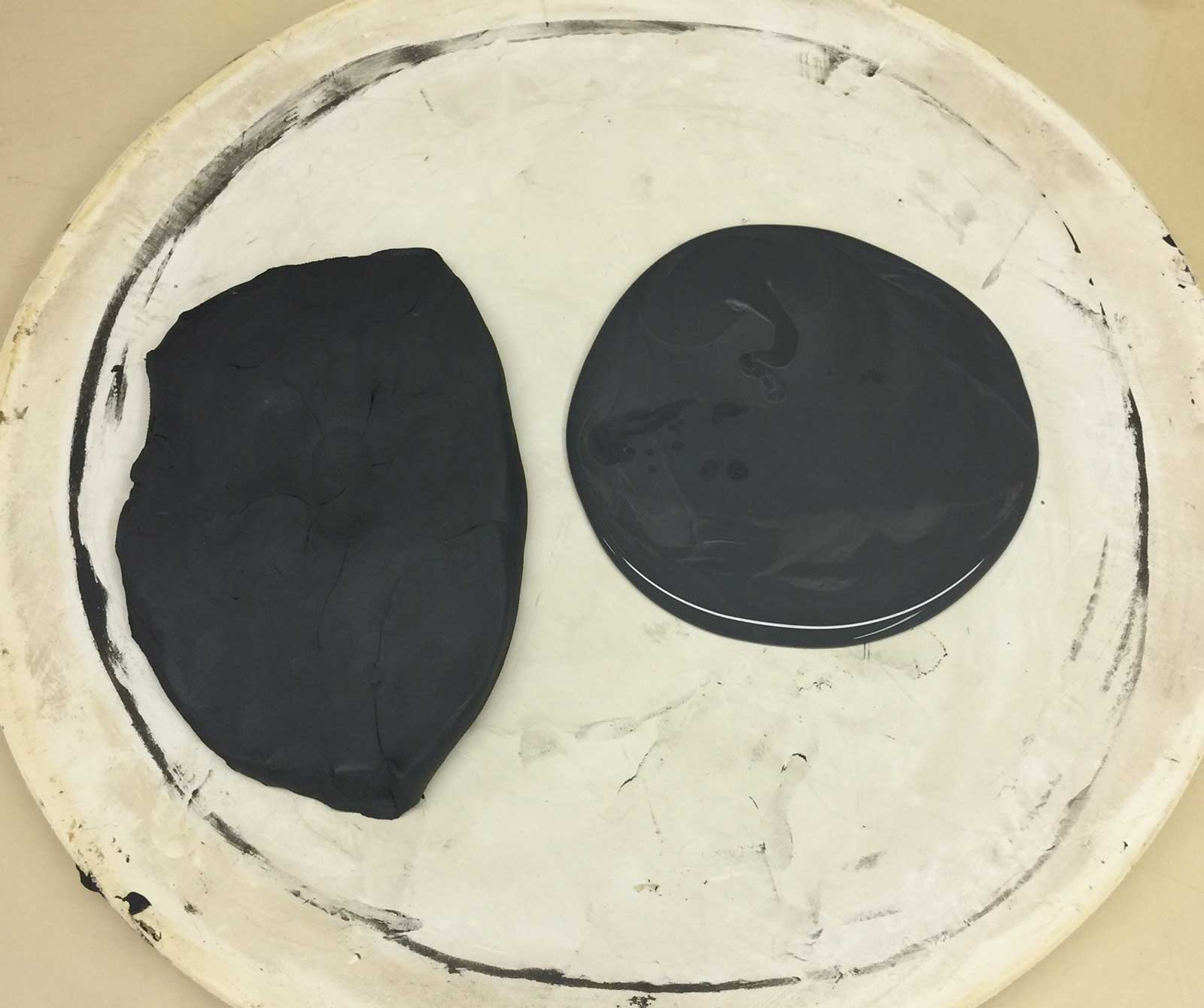 Stain-based black engobe is clean to use!