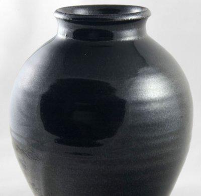 Cone 10R gunmetal black pure Alberta slip glaze