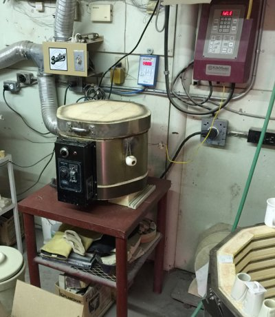 A test kiln with firing controller: A necessity.